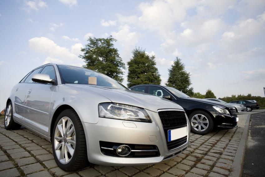 Quando vendere auto: esiste il momento migliore?